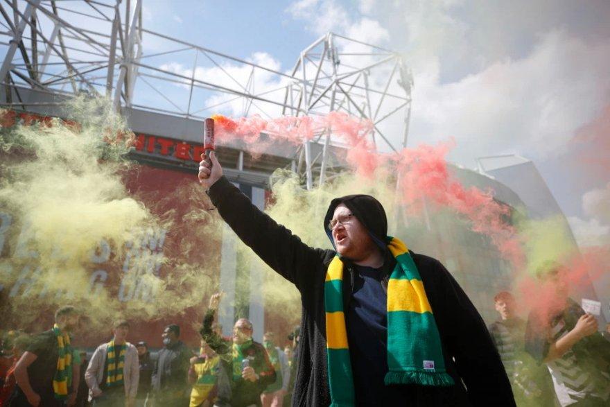 united-fans2.jpg