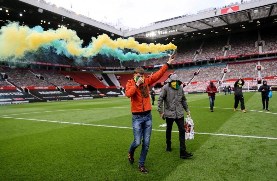 united-fans3.jpg
